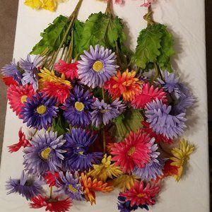 Mixed silk flowers